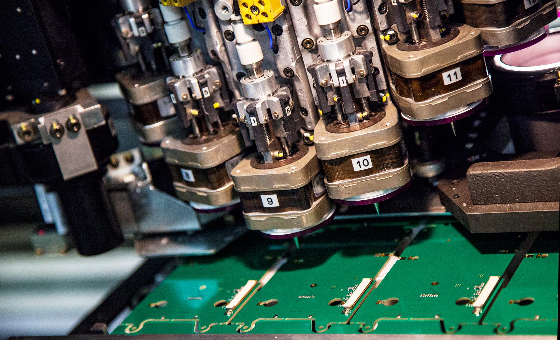 Laukamo – Korkealaatuista elektroniikan valmistusta